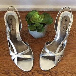 Naturalizer Leather Silver Slingback Kitty Heel